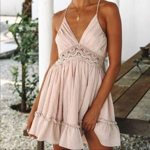 Peachy pink summer dress, backless size M